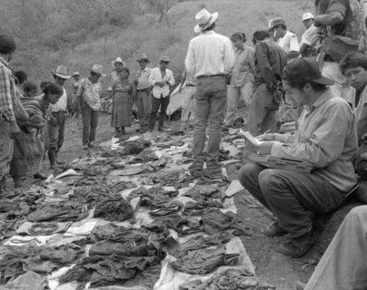 Alrededor de 400 personas murieron a manos de soldados y paramilitares en Río Negro, Rabinal, Baja Verapaz. (Foto Prensa Libre: Hemeroteca PL)