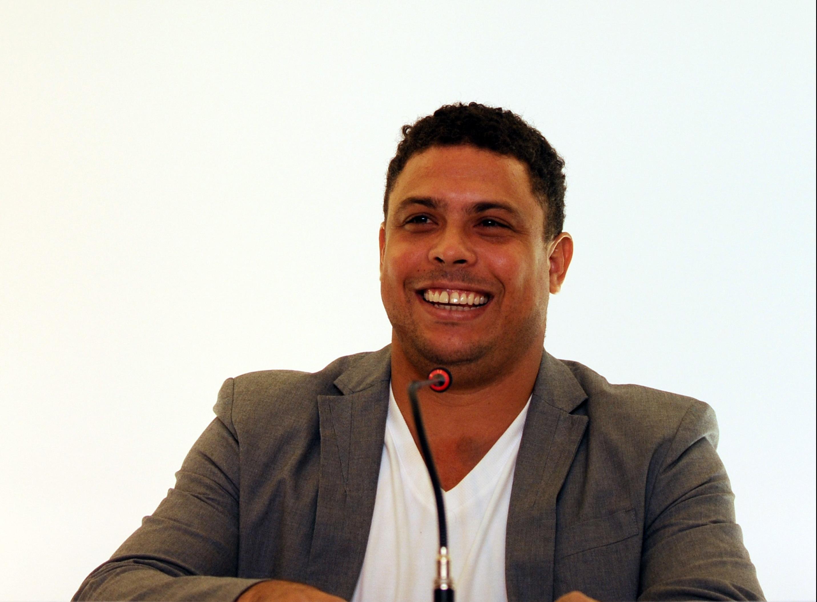 El exfutbolista brasileño  Ronaldo Nazario hizo una reflexión acerca del papel que juega Lionel Messi para el Barcelona. Foto Prensa Libre: Hemeroteca PL