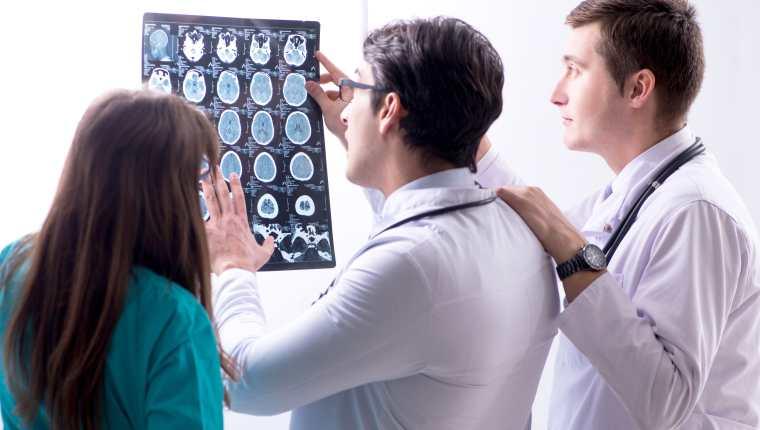 Esta enfermedad afecta al Sistema Nervioso Central y representa la causa más común de afectación neurológica discapacitante y no traumática en adultos jóvenes.  (Foto Prensa Libre: Servicios)