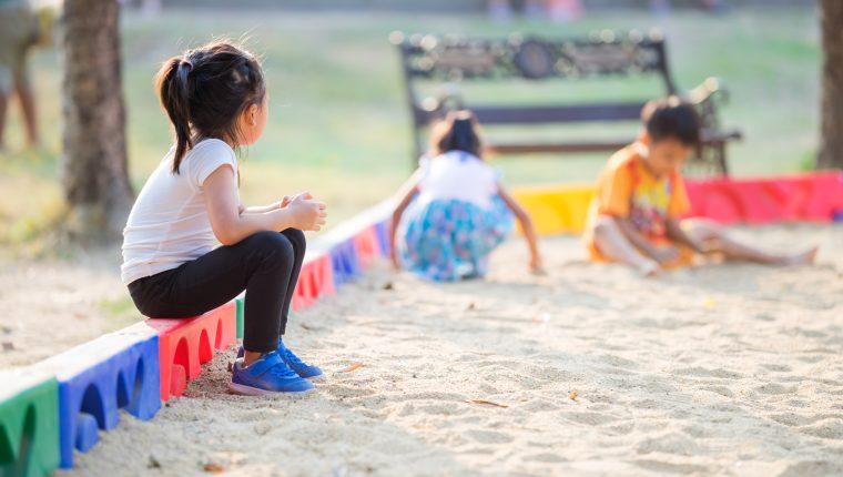 Usualmente se desconocen las diferencias entre introversión y timidez. Una se trata de rasgos de personalidad, otra de inseguridad en la persona. (Foto Prensa Libre: Servicios).
