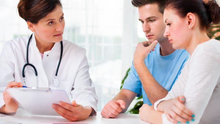 Aunque existen múltiples factores para no concebir, la pareja  que lleva una vida con hábitos saludables mejorará las posibilidades de un embarazo. (FOTO PRENSA LIBRE: SERVICIOS)