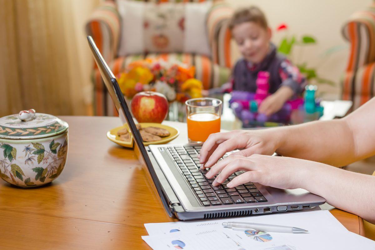 Trabajos en casa para ganar dinero (y algunos consejos)