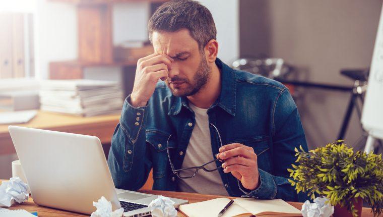 El cansancio mental es consecuencia del estrés y por no dormir bien (Foto Prensa Libre: Servicios / Shutterstock)