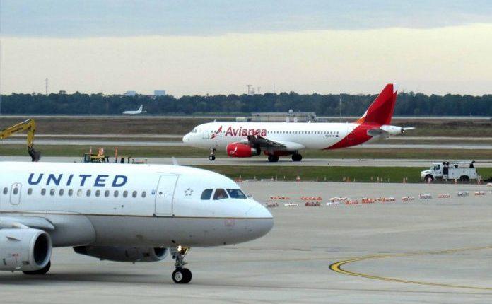 La aerolínea Avianca indicó que la decisión de United Airlines  es un cambio en el gobierno corporativo del Holding, más no de su composición societaria. (Foto Prensa Libre: Hemeroteca)