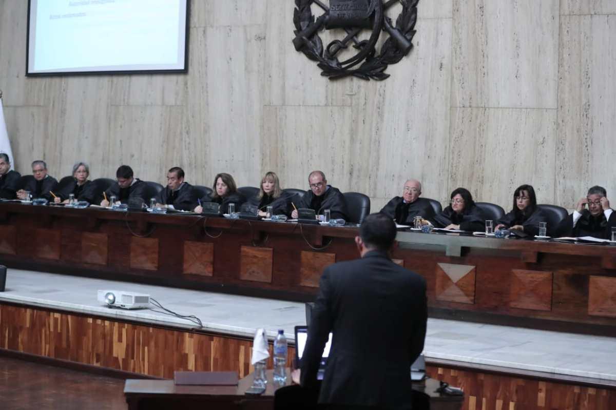 Finiquito de Thelma Aldana enfrenta a Semilla, Todos y Guatemala Inmortal en la CSJ