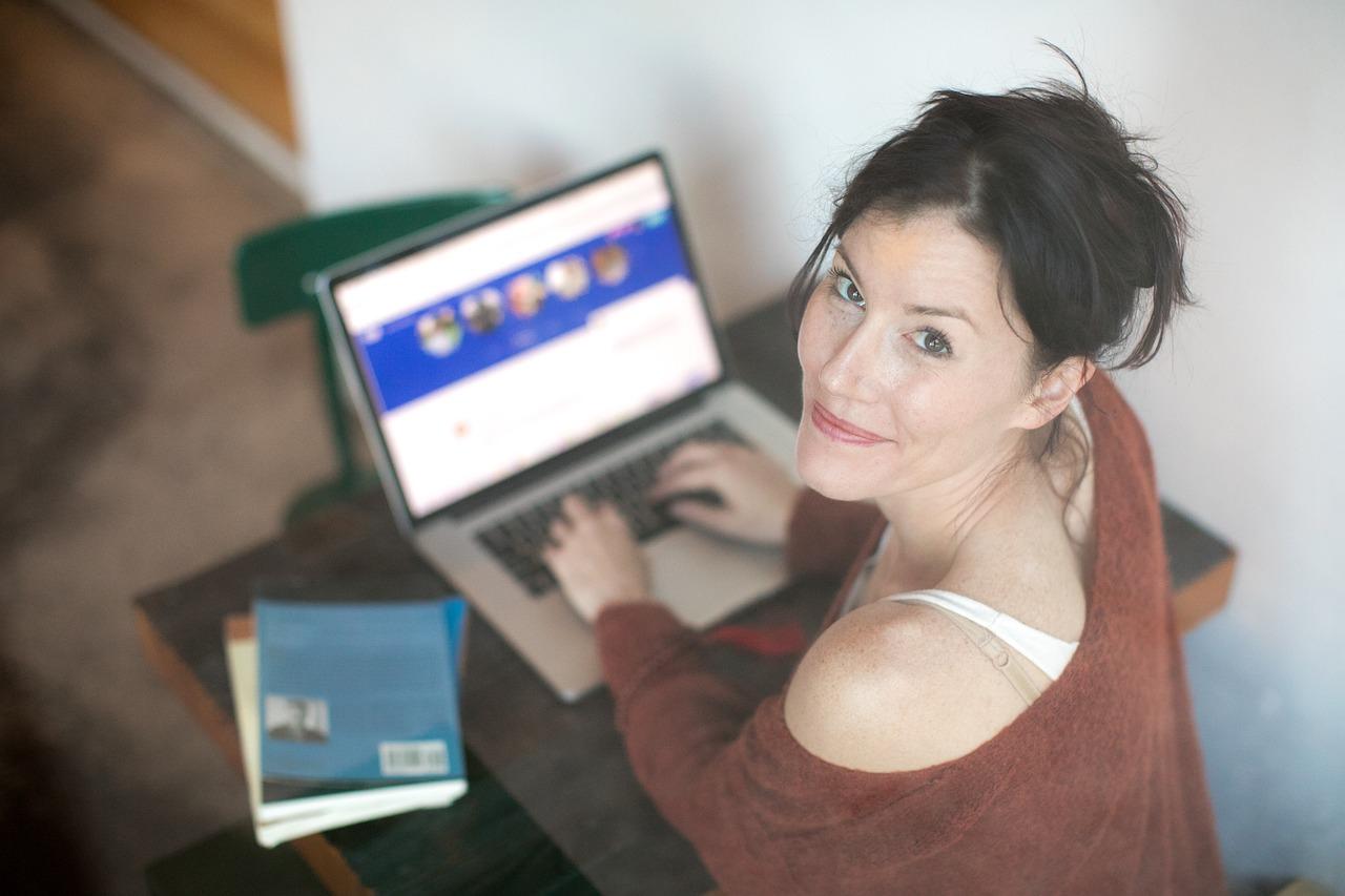 Los sitios de citas en línea ofrecen una gran oportunidad para conocer personas con intereses similares. (Foto Prensa Libre: Servicios)