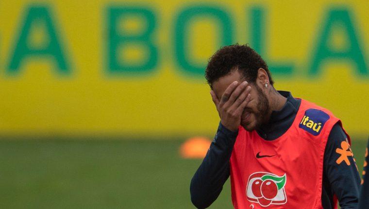 Neymar afronta problemas legales con las autoridades brasileñas por un supuesto caso de violación. (Foto Prensa Libre: AFP)
