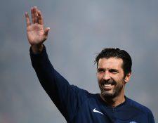 Gianluigi Buffon da un paso al costado al no aceptar la renovación con el PSG. (Foto Prensa Libre: AFP)