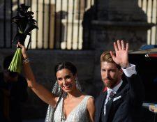 Sergio Ramos junto a su esposa Pilar Rubio. (Foto Prensa Libre: AFP)