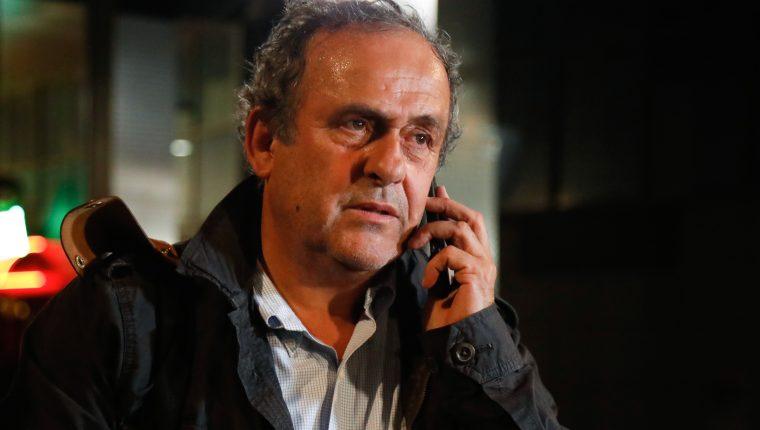 Michel Platini quedó en libertad después de ser interrogado. (Foto Prensa Libre: AFP)