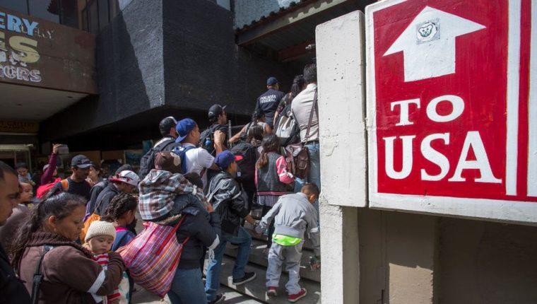 A diferencia del pasado, muchos migrantes desean entregarse a las autoridades de EE.UU. en la frontera para luego solicitar asilo.