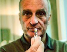 El doctor Yves de Locht ha realizado más de 100 eutanasias, y dice que le han causado gran impacto personal y emocional.