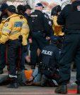 Varias personas resultaron heridas en el centro de Toronto durante la celebración del campeonato de la NBA que obtuvo el equipo de los Raptors. (Foto Prensa Libre: AFP)