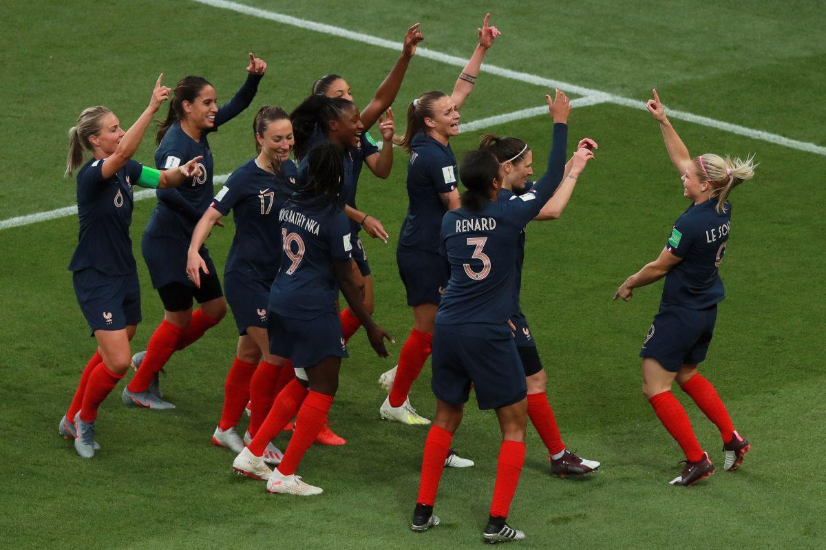 Francia se exhibe ante Corea del Sur y el Mundial Femenino comienza con una fiesta