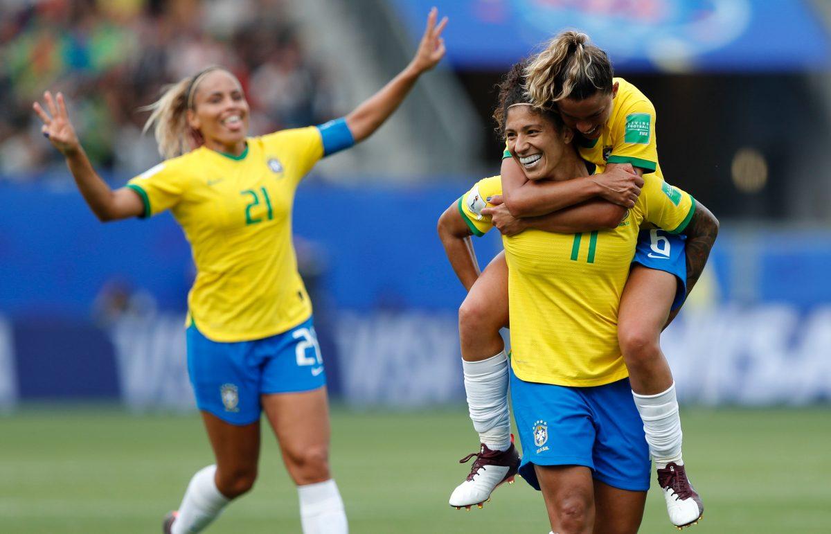 Brasil renace para domar el ímpetu jamaicano con un triplete de Cristiane