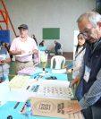 Los partidos que participarán en la segunda vuelta electoral buscarán atraer el voto de las personas de la capital, distrito que tiene el 10 por ciento del total de padrón electoral. (Foto Prensa Libre: EFE)