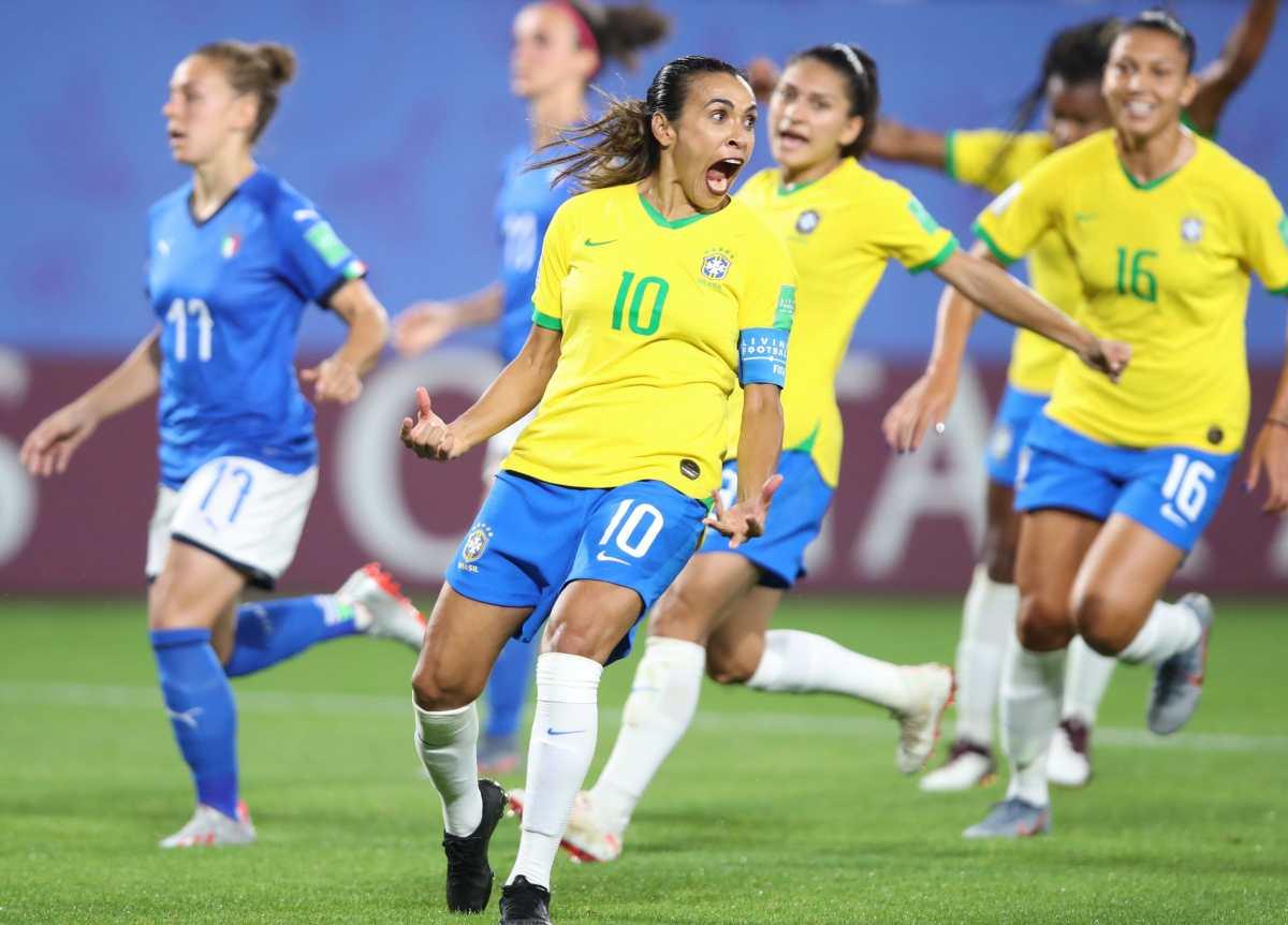 Marta se consolida como la máxima goleadora en Mundiales, y Brasil pasa a octavos