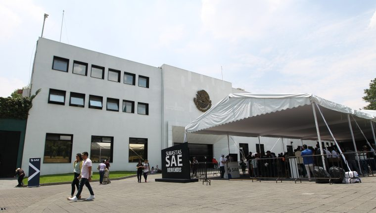 El Gobierno de México inició la subasta este domingo de cerca de treinta inmuebles, muchos de ellos confiscados al crimen organizado. (Foto Prensa Libre: EFE)