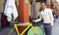 """MEX6008. CIUDAD DE MÉXICO (MÉXICO), 28/06/2019.- El exciclista español Alberto Contador posa para Efe luego de una rueda de prensa este viernes, en Ciudad de México (México). Contador consideró este viernes que el de este año será un Tour de Francia """"abierto"""", sin un claro favorito pero con un equipo Ineos que """"puede marcar la carrera"""". Así lo manifestó hoy en una rueda de prensa en la capital mexicana, a la que llegó para promover la Etapa del Tour de Francia, una carrera recreativa con unos 2.000 participantes en el estado de México. EFE/ Sáshenka Gutiérrez"""