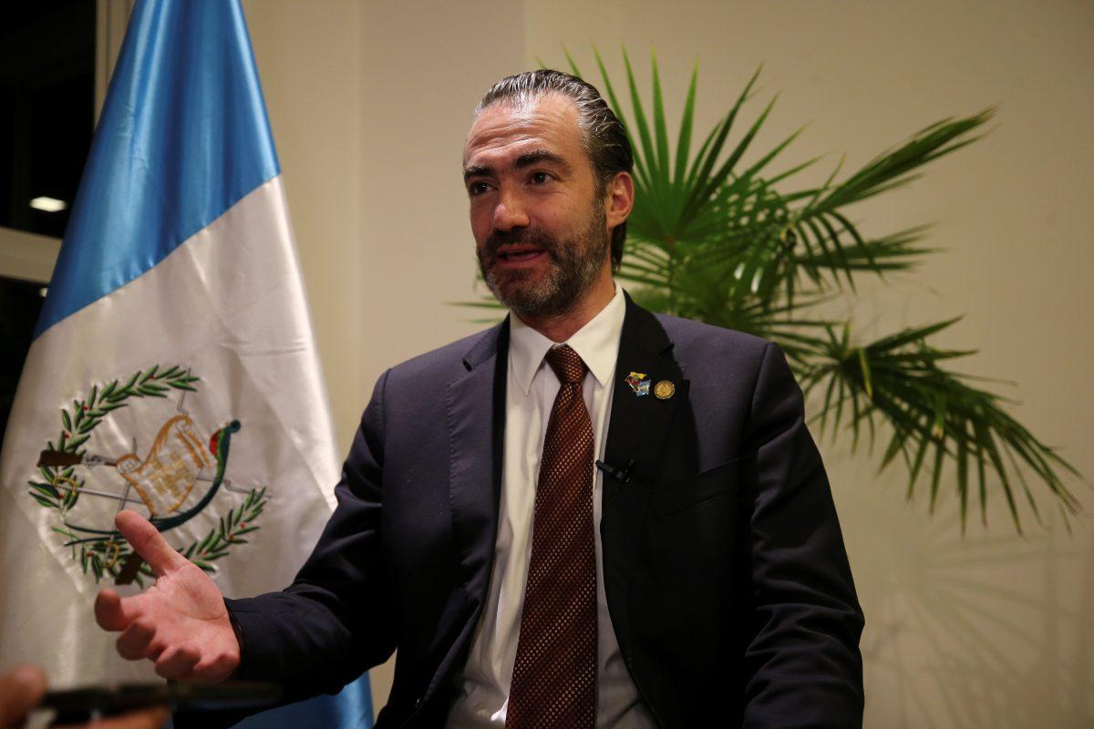 Presentan nueva solicitud de retiro de inmunidad contra Acisclo Valladares