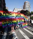 El 28 de junio de 1969, una redada de la policía en el bar del Inn de Stonewall, provocó grandes protestas en la comunidad gay de Nueva York. (Foto Prensa Libre: EFE)