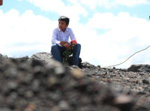 Varios cuerpos ya no pudieron ser rescatados y quedaron debajo del material lanzado por el volcán.  Foto Prensa Libre: Carlos Hernández