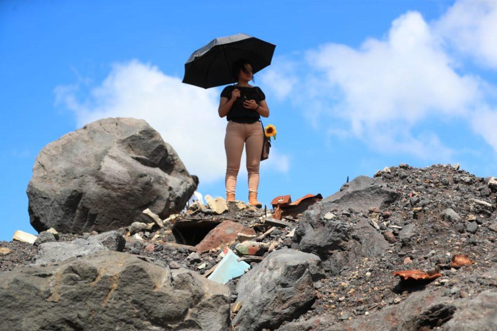 Con mucho dolor los familiares recuerdan a las víctimas. Foto Prensa Libre: Carlos Hernández