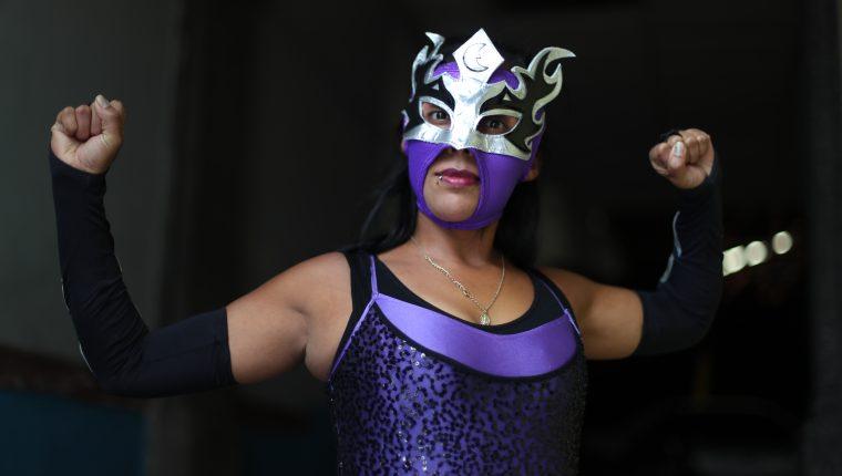 La princesa del ring se repone de la muerte de su amiga y celebra su cumpleaños luchando en la arena.