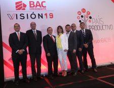 Directivos de BAC Credomatic y profesionales que expusieron en el foro Visión19. Foto Norvin Mendoza