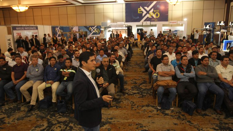 Expo Celasa recibió a  expertos eléctricos, que llegaron a ver los avances tecnológicos en esta área. Foto Norvin Mendoza