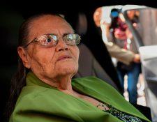 Consuelo Loera, en junio de este año, durante las gestiones para aplicar a una visa humanitaria. (Foto Prensa Libre: Hemeroteca PL)