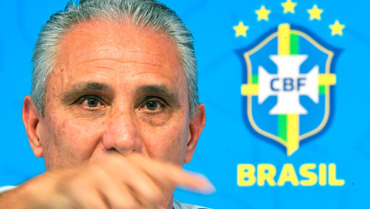 El entrenador de Brasil, Tite, prefiere no comentar mucho sobre la situación de Neymar. (Foto Prensa Libre: AFP)