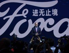 Peter Fleet, presidente y CEO de Ford China, durante un evento en abril de 2018. (Foto Prensa Libre: AFP)