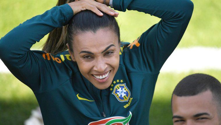 La jugadora brasileña, Marta, está lista para debutar en el Mundial de Francia. (Foto Prensa Libre: AFP)