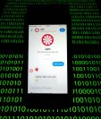 El chatbot Jam, un programa informático que proporciona información en línea, conectado en un teléfono móvil el 28 de febrero de 2019 en París. (Foto Prensa Libre: AFP)