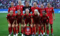(Top L-R) United States' forward Alex Morgan, United States' midfielder Sam Mewis, United States' goalkeeper Alyssa Naeher, United States' midfielder Lindsey Horan, United States' midfielder Rose Lavelle, United States' forward Tobin Heath, (bottom L-R) United States' defender Abby Dahlkemper, United States' defender Kelley O'Hara, United States' forward Megan Rapinoe, United States' midfielder Julie Ertz and United States' defender Crystal Dunn pose prior to the  France 2019 Women's World Cup Group F football match between USA and Thailand, on June 11, 2019, at the Auguste-Delaune Stadium in Reims, eastern France. (Photo by Lionel BONAVENTURE / AFP)