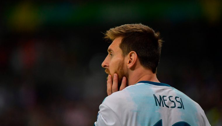 Lionel Messi volvió a sufrir un empate con Argentina. (Foto Prensa Libre: AFP)