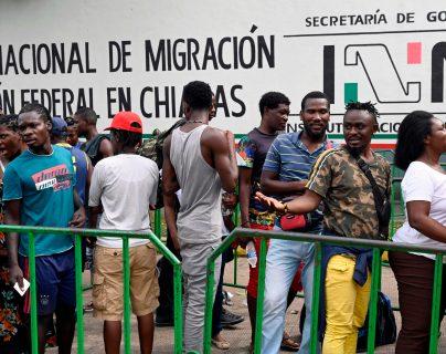 Incentivar la inversión para generar empleo e implementación de programas de migración laboral regulada temporal son algunas recomendaciones de la OIT, para la migración. (Foto Prensa Libre: Hemeroteca)