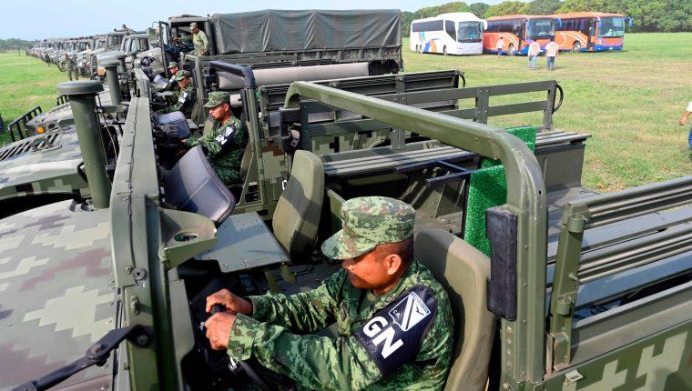 México anunció un plan migratorio en medio del incremento de medidas de seguridad fronteriza por parte del gobierno mexicano que decidió enviar cinco mil tropas a su frontera Sur. (Foto Prensa Libre: AFP)