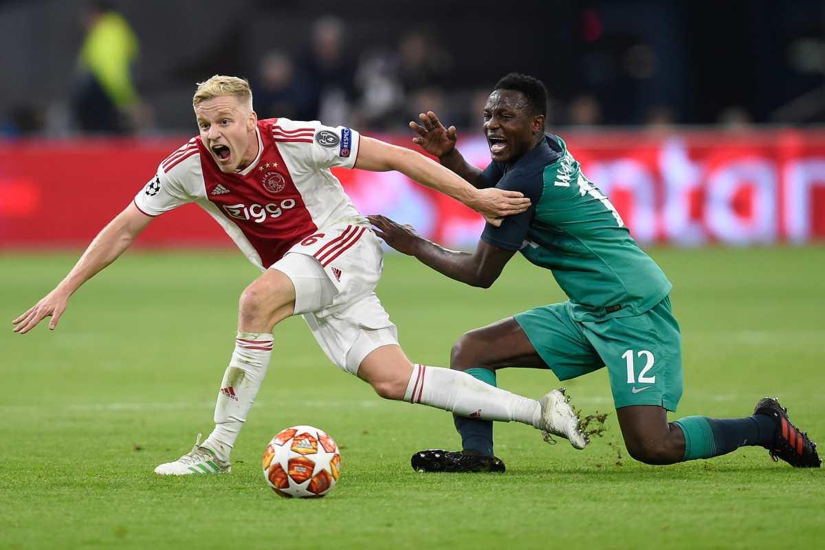 Ajax le pide al Madrid entre 50 y 60 millones por Van de Beek