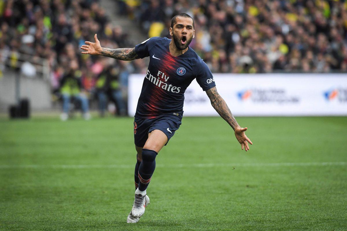 Dani Alves se va del París Saint-Germain y le coquetea al Barcelona. ¿Será Neymar el siguiente?