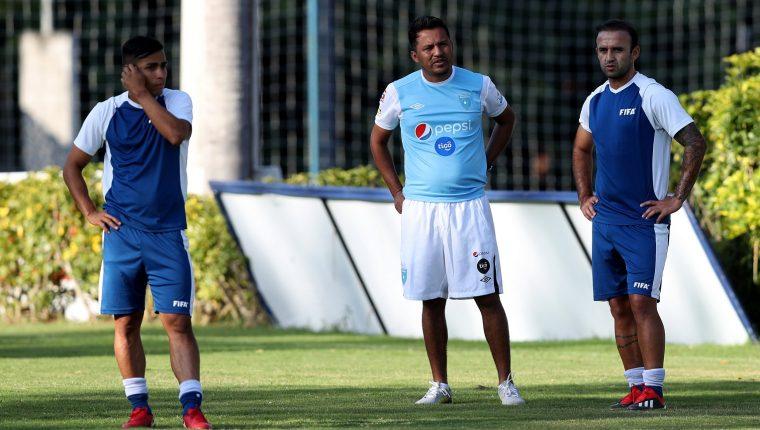 El técnico de la Selección Nacional, Amarini Villatoro, espera que le dan más apoyo al desarrollo del futbol guatemalteco. (Foto Prensa Libre: Hemeroteca PL)