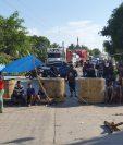 Área donde se registra la manifestación de pobladores entre Sumach y Río Dulce, Lívingston, Izabal. (Foto Prensa Libre: Dony Stewart).