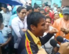 Manifestantes del área rural de Coatepeque  exigen nuevo conteo de votos en las elecciones para alcalde. (Foto Prensa Libre:  Cortesía)