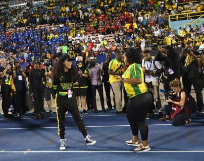 Cedella Marley en el juego entre Jamaica y Panamá, rumbo al Mundial de Francia 2019. (Foto Prensa Libre: AFP)