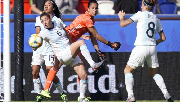 Vanina Noemi Correa de Argentina fue la estrella del equipo sudamericano contra Japón. (Foto Prensa Libre: AFP)