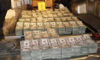 El decomiso de dinero también es recurrente en algunos puntos del país. (Foto Prensa Libre: Hemeroteca PL).