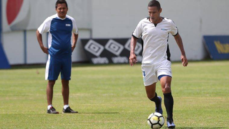 El defensa Rodolfo Rafael González, participa con un entrenamiento de la Selección Nacional el martes 4-6-2019 en el Proyecto Goal, como parte de la preparación para disputar un amistoso contra Paraguay. (Foto Prensa Libre: Francisco Sánchez).