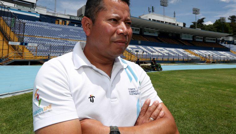 Julio Urías, entrenador de Marcha Atlética de Guatemala, recientemente clasificó a José Barrondo a Tokio 2020. (Foto Prensa Libre: Carlos Vicente)