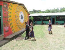 Durante 15 años el Centro de Desarrollo Artístico Integral, CDAI ha sido cuna para el aprendizaje musical de niños de San Juan Sacatepéquez y las comunidades aledañas.  (Foto Prensa Libre: Ingrid Reyes).